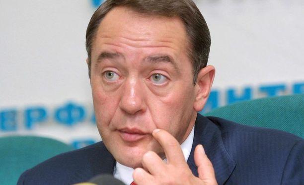 57-vuotias Lesin johti Gazprom-Mediaa vuosina 2013-2015, ja oli mukana perustamassa Russian Today -mediaa, joka nykyään kantaa nimeä RT.