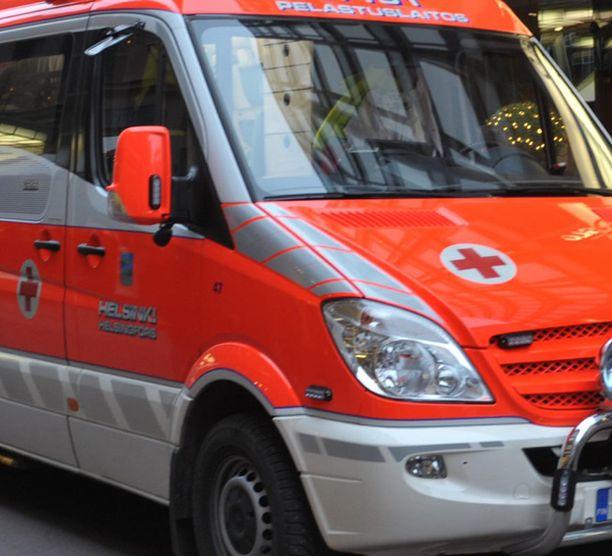 Ambulanssi oli pysäköitynä vain seitsemän minuuttia. Kuvan ambulanssi ei liity tapaukseen.