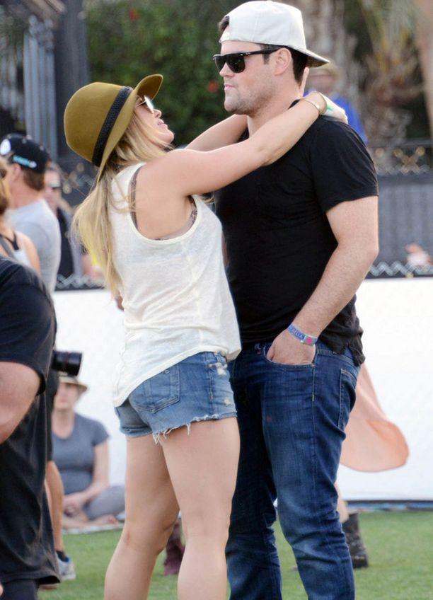 Hilary Duff ja Mike Comrie.