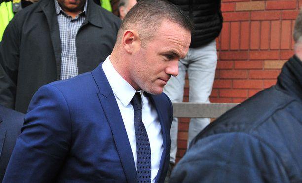 Wayne Rooney ajoi autoa humalassa.