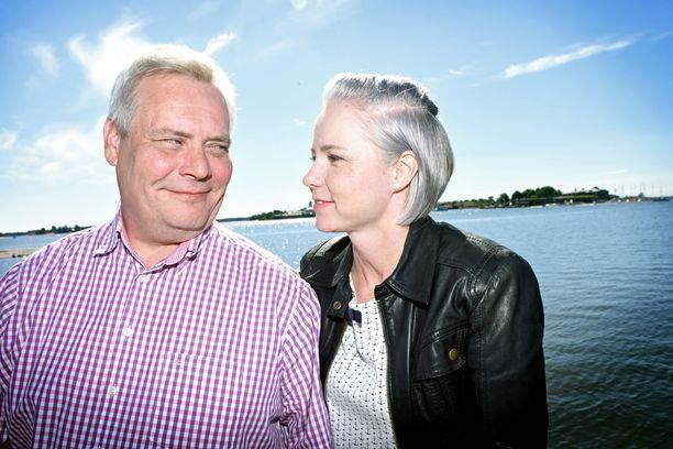 SDP:n puheenjohtaja Antti Rinne ja puoliso Heta Ravolainen-Rinne kuvattuna viime kesänä.