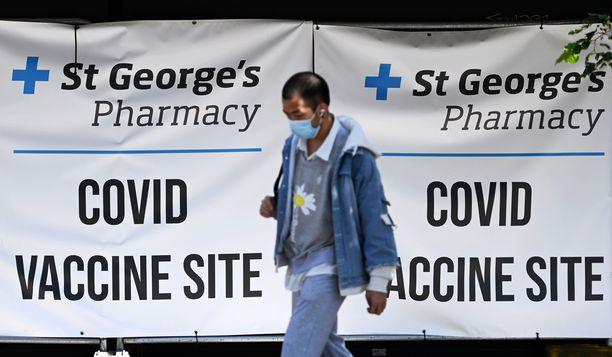 Rokotuskeskus Lontoossa. Noin 90 prosenttia Britannian tartunnoista on niin kutsuttua delta-varianttia.