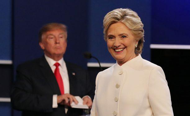 Näillä näkymin Hillary Clinton olisi voittamassa vaalit niukasti.
