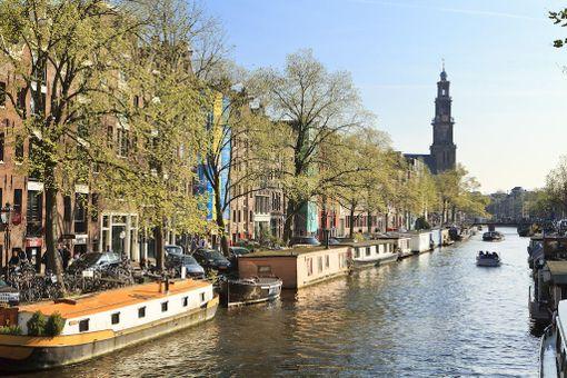Näiden maisemien vuoksi Amsterdamiin kelpaa matkustaa.