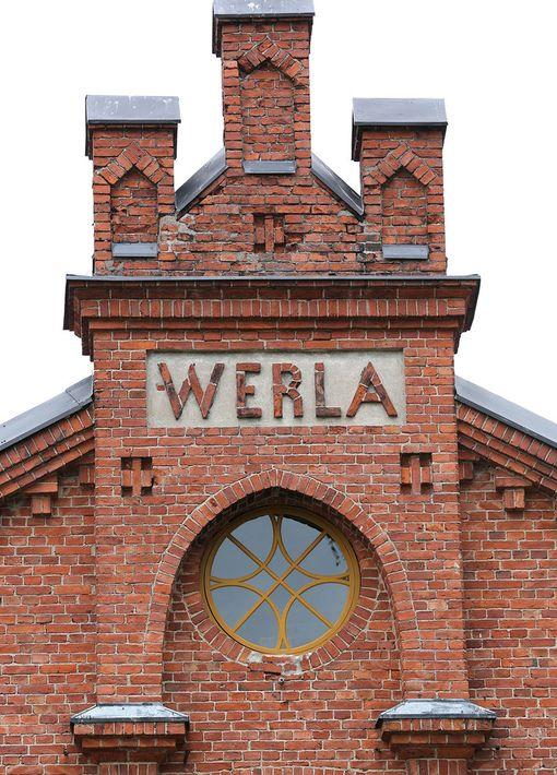 Tehtaan toiminta lakkautettiin vasta vuonna 1964. Tehdasrakennukset, laitteet ja irtaimistot jätettiin paikalleen. Verla avattiin museona 1972.