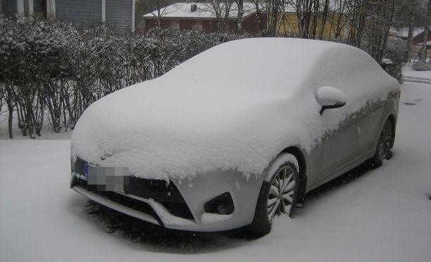 Autolla pitää ajaa nyt varo-varovasti.