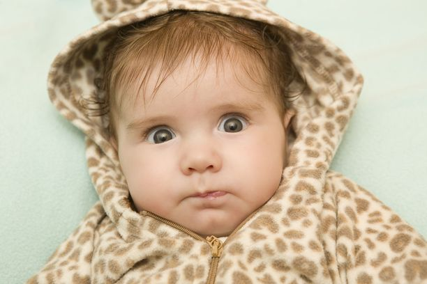 Suomalaisten ruokasuositusten mukaan kiinteiden ruokien maistelu suositellaan aloitettavaksi 4-6 kuukauden iässä, lapsentahtista imetystä jatkaen.