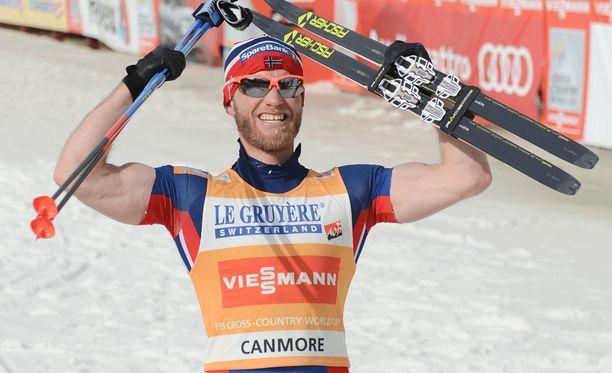 Martin Johnsrud Sundby saa menettämänsä palkintorahat takaisin Norjan hiihtoliitolta.