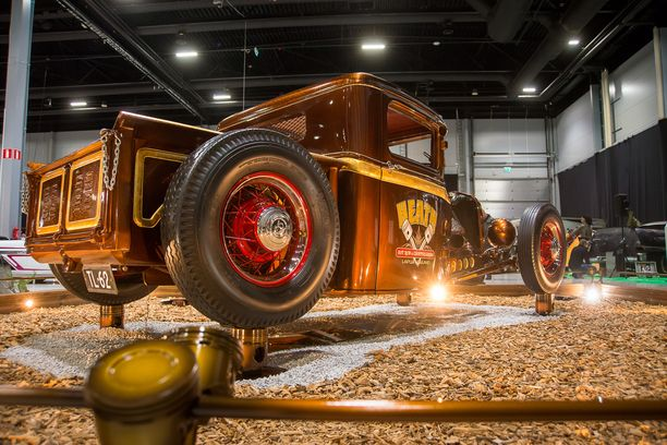"Huippumatala Ford ´32 Pickup ""El Choco"" hottentotti."