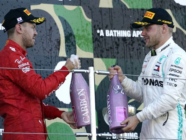 Eddie Irvine laukoi kovaa tekstiä paitsi Sebastian Vettelistä myös Valtteri Bottaksesta.