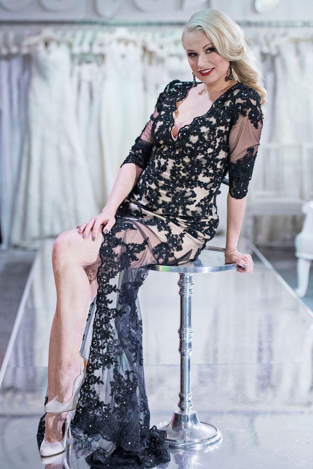 Reeta Vestman on upea ja lahjakas näyttelijä-laulaja. Hän on kiinnityksellä Kotkan kaupunginteatterissa.