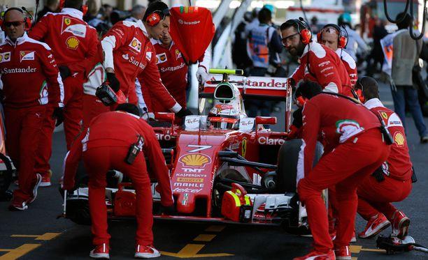 Kimi Räikkönen oli kakkoserän seitsemänneksi nopein kuski.