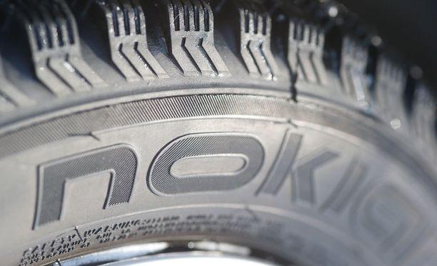 Nokian Renkaat ilmoitti helmikuussa 2016, että se oli lähettänyt autolehtien tekemiin rengastesteihin erilaisia renkaita kuin ne, joita kuluttajille myytiin.