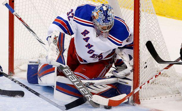 Antti Raanta aloittaa Rangersin maalilla ensi yönä Torontoa vastaan.