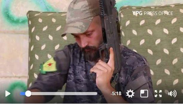 Suomalaismies on taistellut Syyrian Raqqassa Isisiä vastaan jo ilmeisesti puoli vuotta.