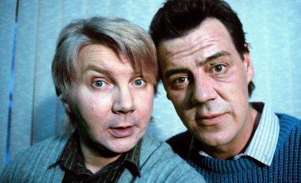 Pirkka-Pekka Petelius ja Aake Kalliala tekivät yhdessä Pulttibois-sarjaa.