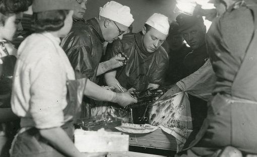 Sotasairaalassa hoidettiin monenlaisia potilaita.