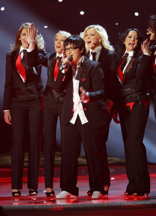 Helsingin kisat voittanut Serbia luotti esityksessään Dolce&Gabbanan pukuihin.