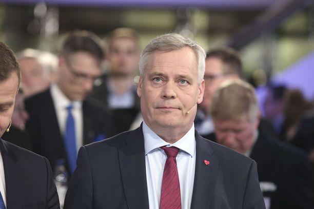 Moni demari on viimeistään maanantaina sitä mieltä, että kuntavaaleissa otettiin kantaa myös Rinteeseen, kirjoittaa Olli Ainola.