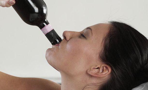 Suomalaisen juomakulttuurin suurin muutos on naisten juomisen voimakas lisääntyminen.