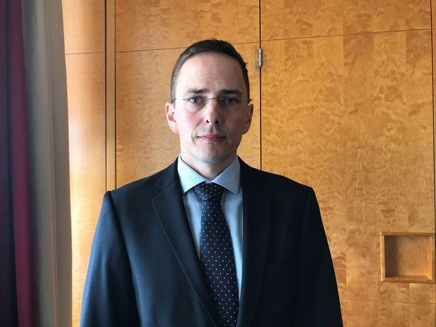 Etlan tutkimusjohtaja Antti Kauhanen korostaa, että työllisyysasteen nosto 75 prosenttiin vaatii selkeitä toimenpiteitä hallitukselta ja työmarkkinajärjestöiltä.