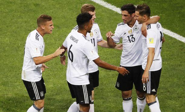 Saksa juhli 4-1-voittoa Meksikosta.