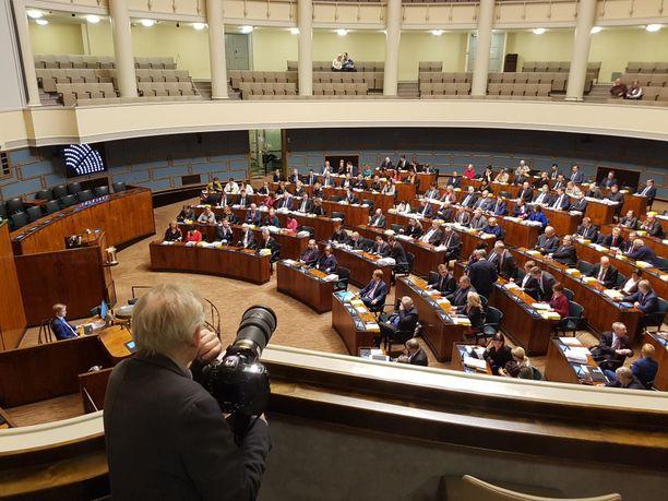 Vanhuspalvelulaki puhutti kansanedustajia eduskunnan täysistunnossa keskiviikkona. Kuva täysistunnosta viime joulukuulta.