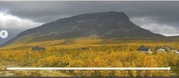Näin värikkäältä näytti Kilpisjärven ruska torstaina kelikameran kuvassa.