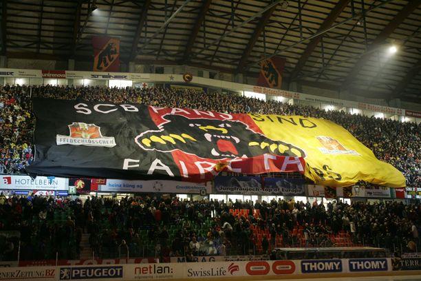SC Bernin kotiotteluissa käy keskimäärin lähes 16300 katsojaa ottelua kohden. Tunnelma on sen mukainen.