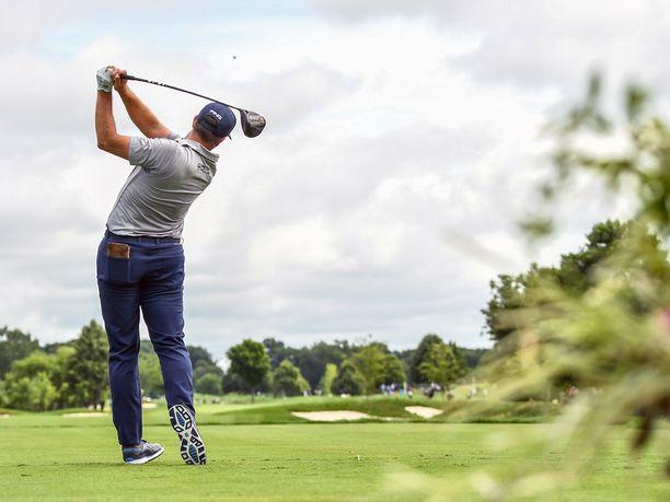 Eagle on yksi golfin lukuisista termeistä.