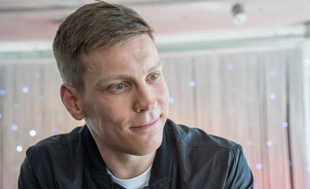 Antti Holmakin testasi trendisovellusta.