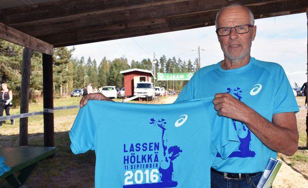 Lasse Virénin piikkaritempusta tehtiin paita 40 vuotta tapahtuman jälkeen.