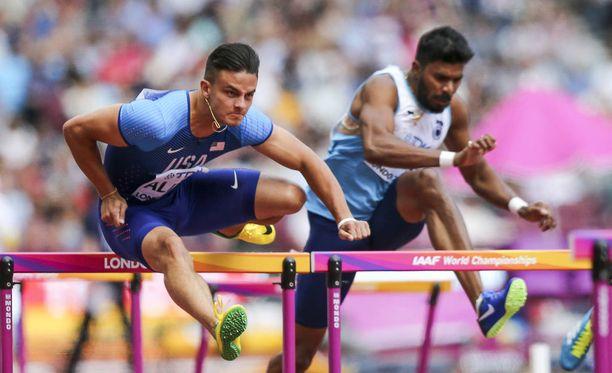 Devon Allen kilpaili sunnuntaina Lontoossa yleisurheilun MM-kisoissa.