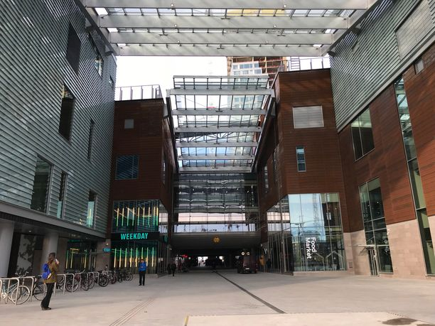 Arkkitehti Pekka Helin uskoo, että asiakkaat oppivat ajan kanssa liikkumaan uudessa kauppakeskuksessa.
