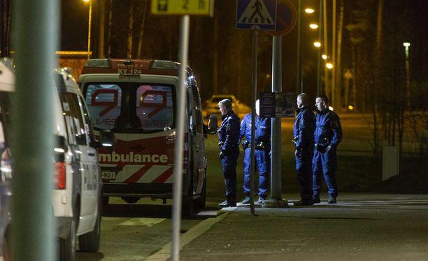 Yksi loukkaantunut kuljetettiin tapahtumapaikalta ambulanssilla.