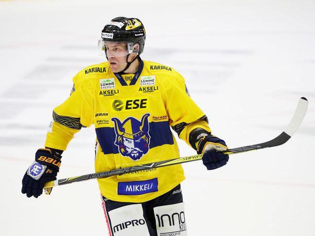 Antti Jaatinen on Jukurien kasvatti. Mies pääsi uransa loppupuolella pelaamaan Jukureissa myös SM-Liigaa, kun joukkue nostettiin Mestiksestä pääsarjatasolle.