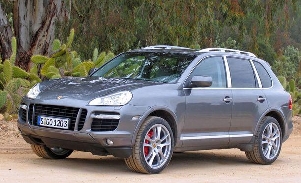 Euroopasta saa Porsche Cayennen hieman vähemmän ajettuna kuin Suomesta.