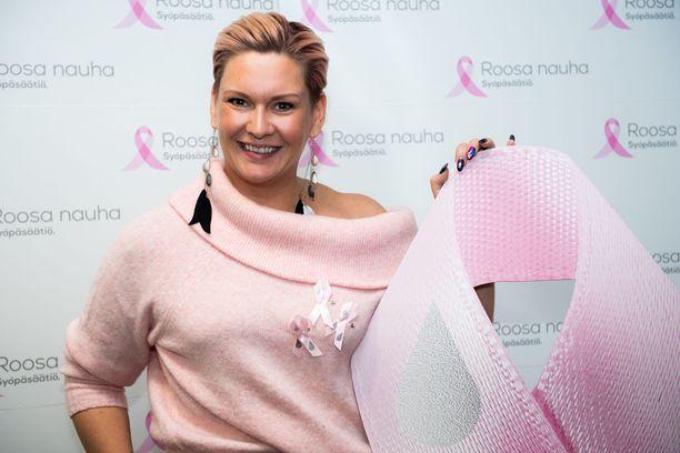 Heidi Sohlberg on ollut juontamassa monia Roosa nauha -tilaisuuksia,