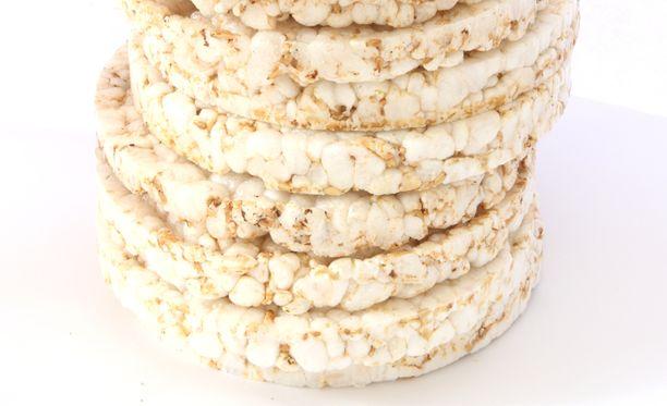 Riisistä ja raskametalleista puhuttiin myös vuonna 2015, jolloin Evira suositteli välttämään riisikakkujen päivittäistä syömistä.