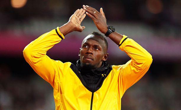 Usain Bolt kiinnostaa englantilaista ammattilaisjoukkuetta.