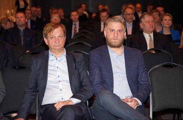 Isä ja poika, Hjallis ja Joel Harkimo pyrkivät eduskuntaan.