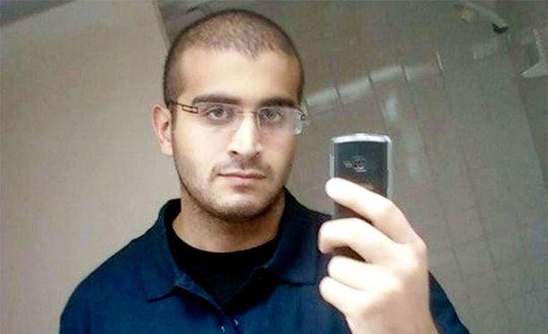 Omar Mateenin vaimo tiesi Pulse-homoklubille tehdystä iskusta ennalta, kertovat amerikkalaismediat.