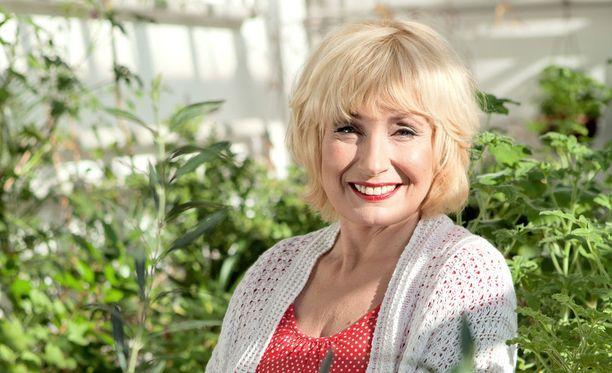 Sonja Lumme kirjoitti uuden puutarhakirjan.
