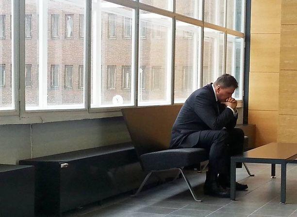 Poliisipäällikkö Lasse Aapion (kuvassa) alaisia kuulustellaan nyt Pasilan poliisitalolla järjestetyistä, painostuspalavereiksi kutsutuista tilaisuuksista.