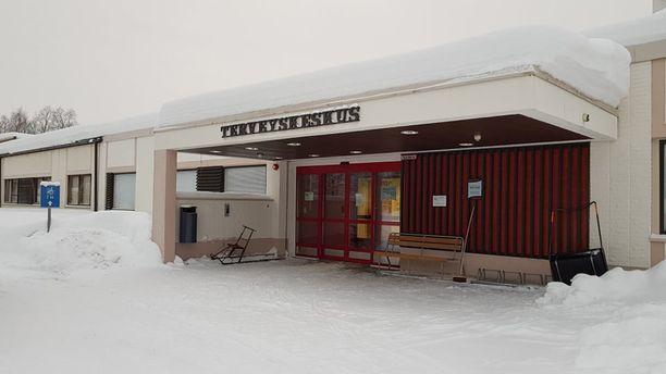 Ivalon terveyskeskuksessa järjestettiin perjantaina tiedotustilaisuus koronavirusepäilyjen takia.