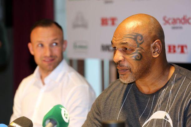 Mike Tysonin, 53, ammattilaisura käsitti 50 ottelua.