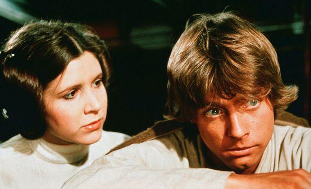Tällaisilta Carrie Fisher ja Mark Hamill näyttivät ihka ensimmäisessä Star Wars -elokuvassa vuonna 1977.