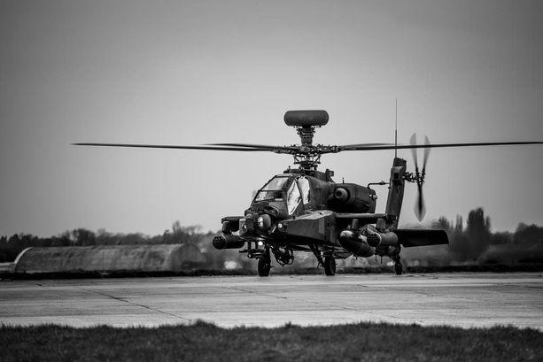 Skenaarioharjoituksen lopussa Groslandin hävittäjät ampuivat Naton taisteluhelikopterit alas. Kuvassa Apache-taisteluhelikopteri Britanniassa kesäkuussa.