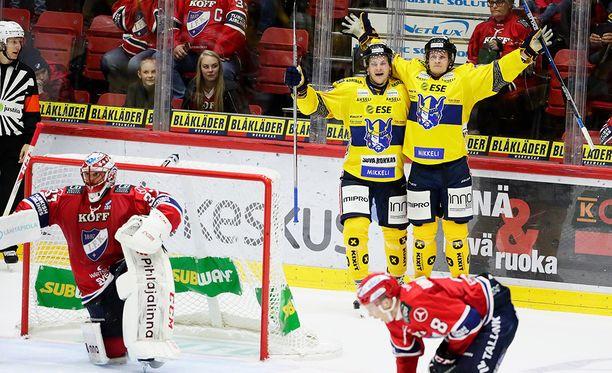 Punainen ei juuri nyt ole voitollinen väri. Perjantaina IFK hävisi Jukureille kotonaan.