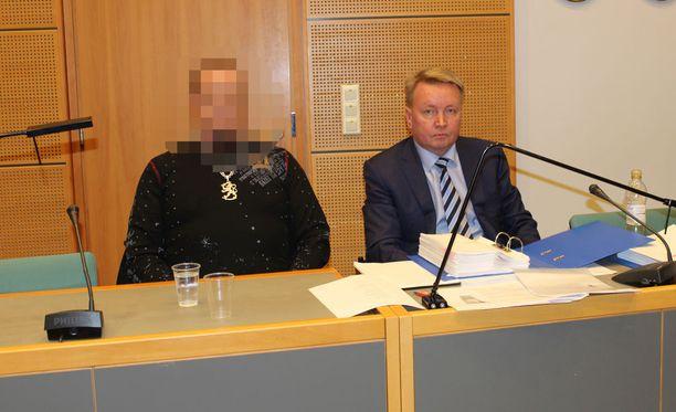 Mies pääsi vapaaksi vankeudesta, jossa hän ehti olla lähes kolme ja puoli vuotta. Nyt Äänekosken murhajuttua käsitellään Vaasan hovioikeudessa.